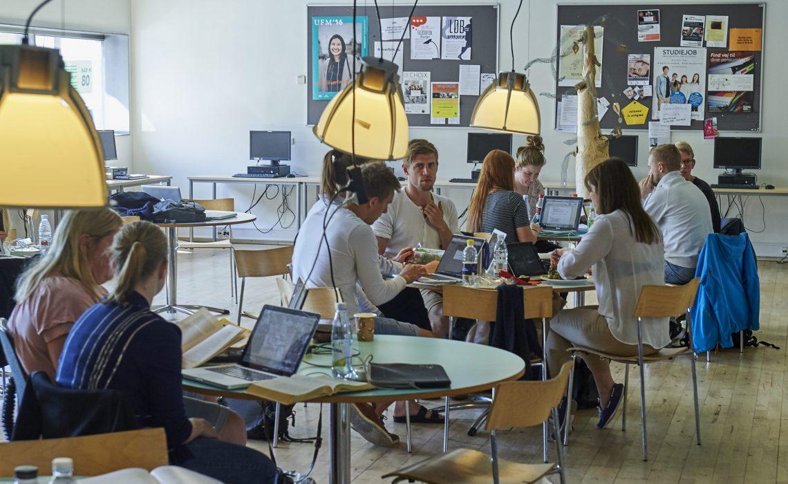 Professionshøjskolerne har udviklet et system til elektronisk at håndtere de mange tusinde eksamensbeviser, der hvert år udarbejdes til de studerende