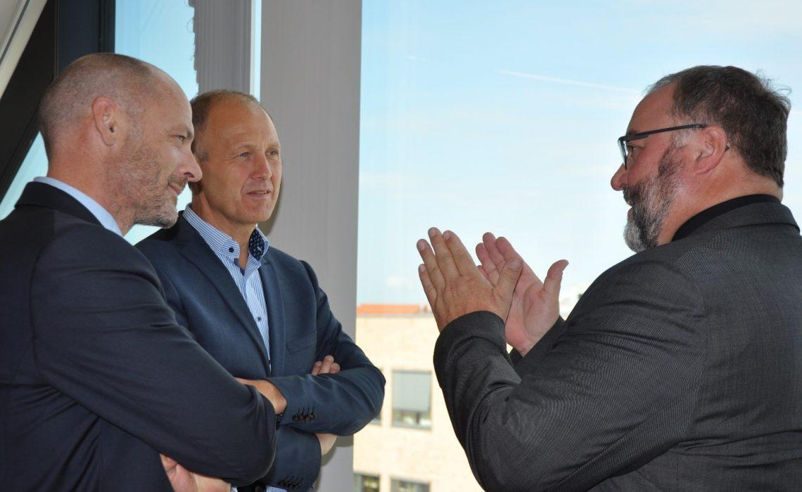 Formand for Danske Professionshøjskoler Stefan Hermann, Formand for KL, Martin Damm og Næstformand for LO, Ejner K. Holst mødtes med FTF og Danske Regioner i Praksis og Innovationshuset på Metropol. De drøftede uddannelse, vækst og velfærd.